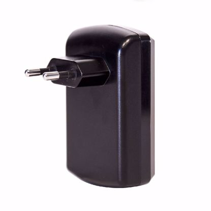 Picture of Trade iGo Dual USB Quick Charge 4.2A EU Mains Charger in Black